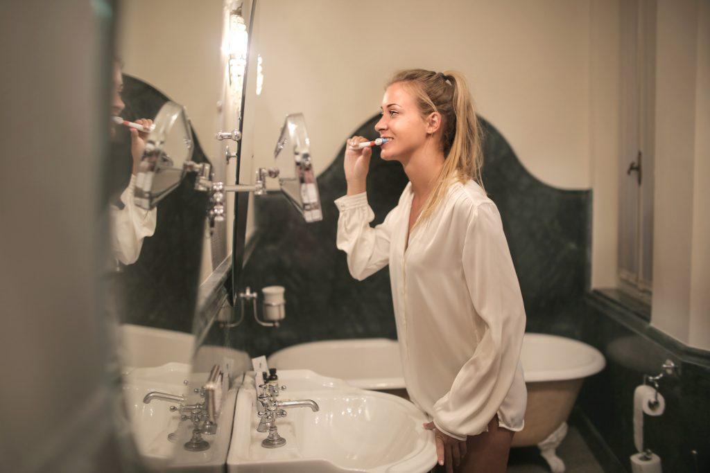 brushing teeth dr tony weir orthdontist brisbane